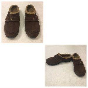 Easy Spirit clog shoes.